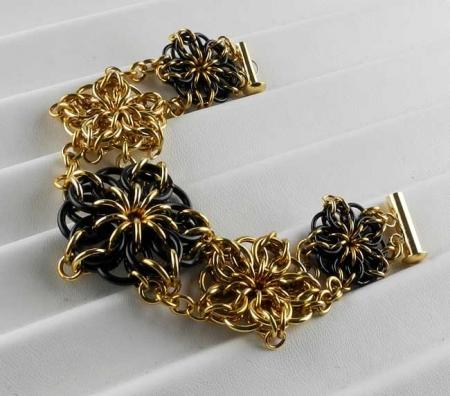 Celtic Stars Bracelet BR & BLK (Beginner Plus)