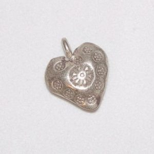 Charm, SS, Medium heart, stamped detail
