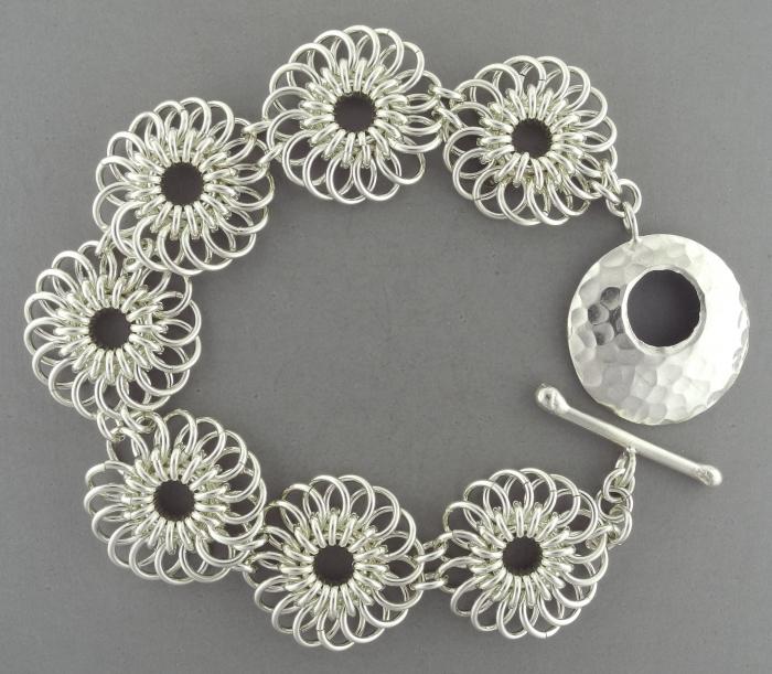 Chrysanthemum Bracelet SF (Beginner Plus)